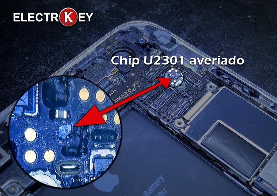 Localización del chip IC U2301 averiado que provoca el fallo de las cámaras