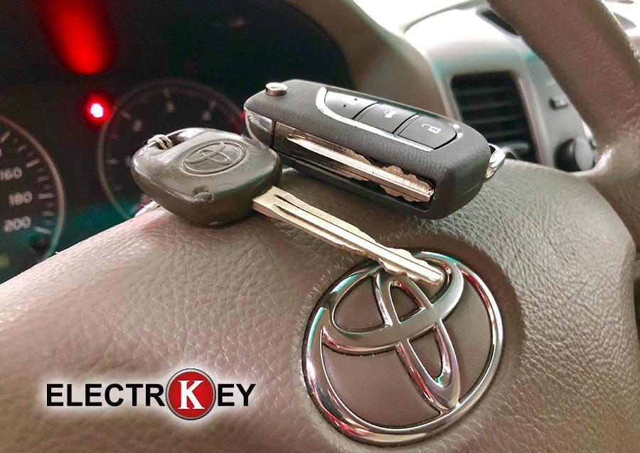 Duplicado de llave de Toyota Land Cruiser 2007 realizado en Electrokey