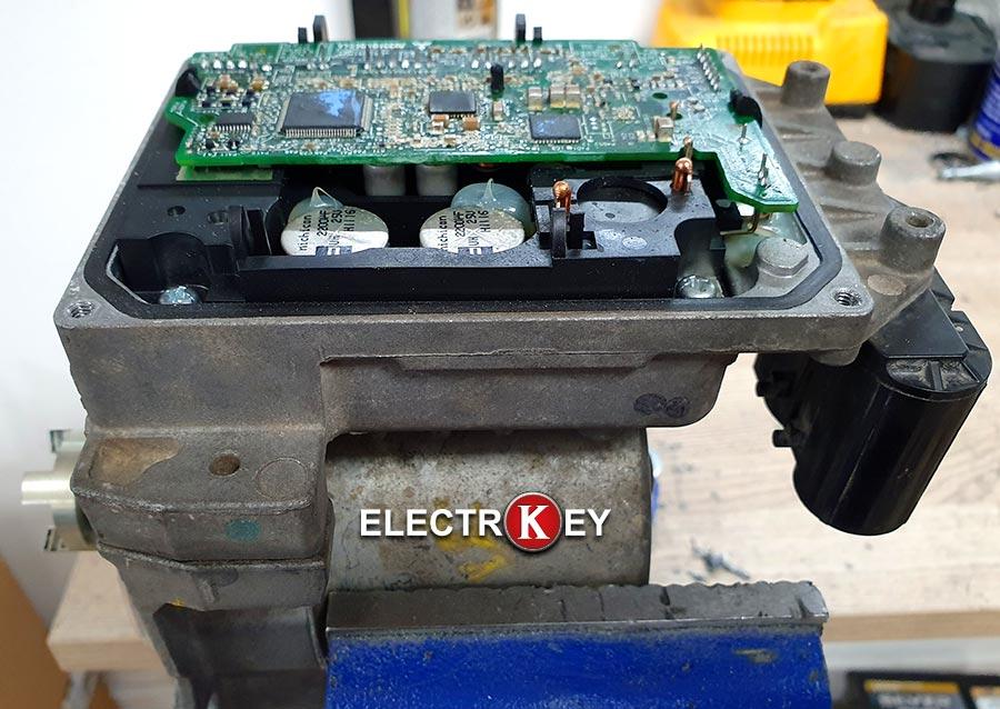 Reparación de la dirección eléctrica de Peugeot 207