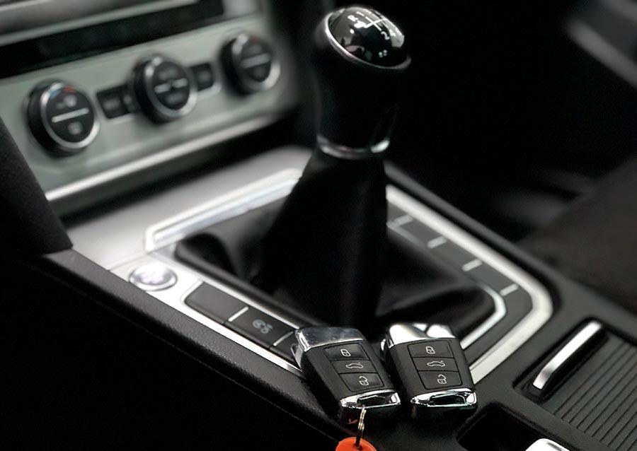 Original y copia de llaves de Volkswagen Passat B8 2016 realizada en Electrokey